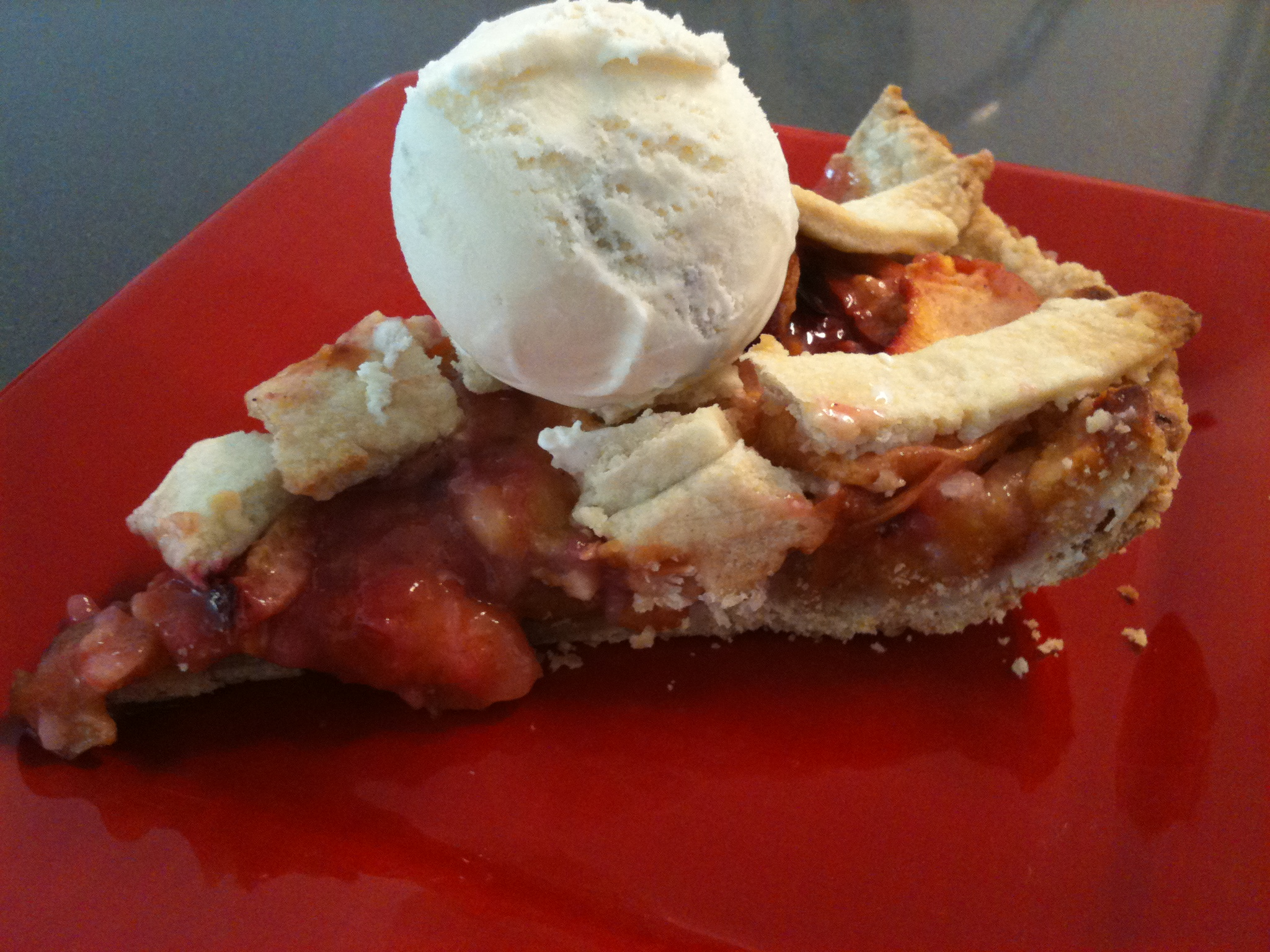 Week: New Jersey Stonefruit (Peach and Plum) Pie! | The MMMguide